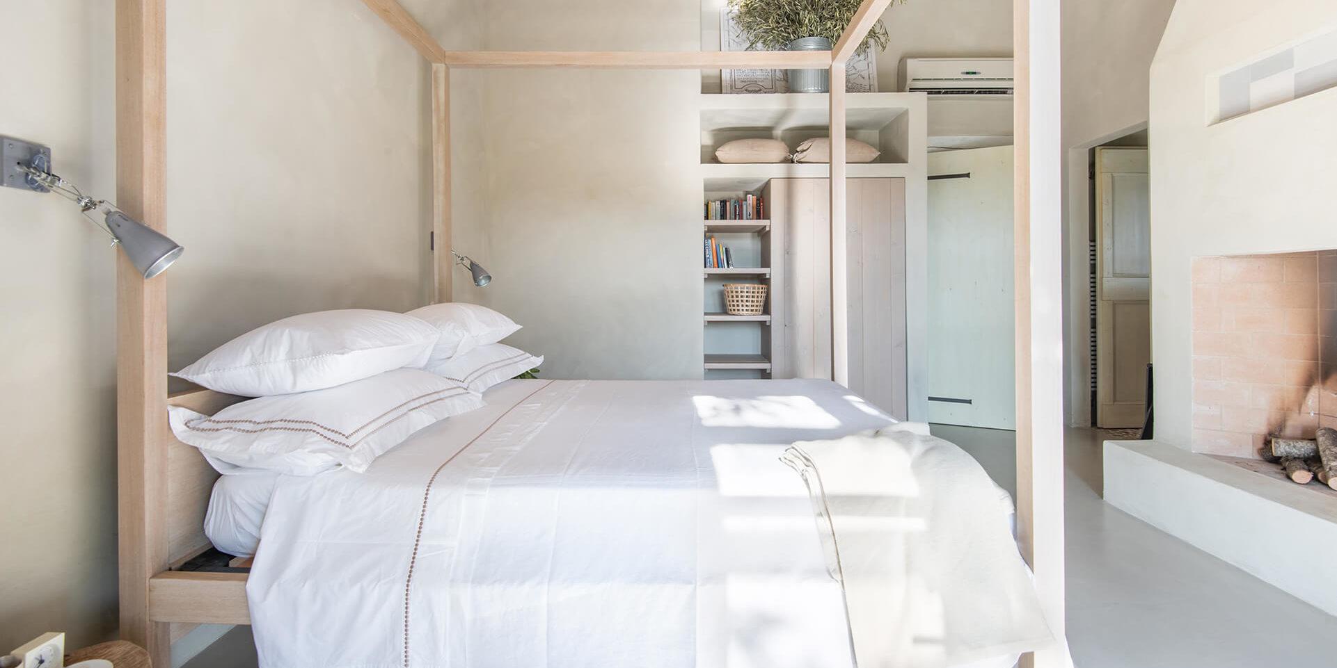 Agri Segretum Bedroom